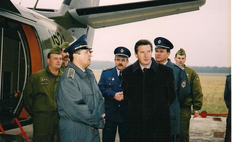 Minister obrany, november 2002